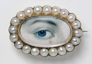 302-min_eyes_pearl1