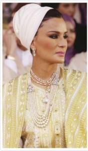 Sheikha-Mozah-Cream-Headscalf-min