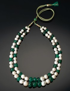 emerald necklace pearls